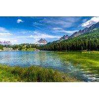 Fototapetas Ežero pakrantė kalnuose