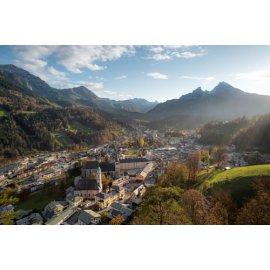 Fototapetai Miestas kalno slėnyje