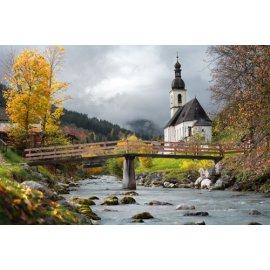 Fototapetai Mažas tiltelis lydintis link bažnyčios, Vokietija
