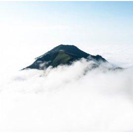 Fototapetai Kalno viršūnė virš debesų